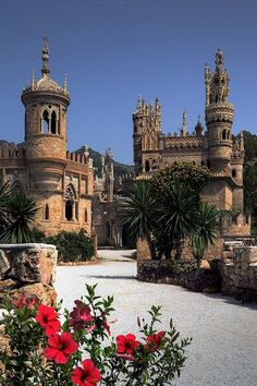 Colomares Spires - Benalmadena, Malaga, SPAIN (by timecapturer) Places Around The World, Oh The Places You'll Go, Places To Travel, Around The Worlds, Travel Destinations, Beautiful Castles, Beautiful Buildings, Beautiful World, Wonderful Places
