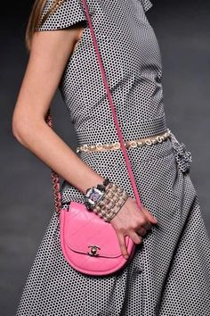 A modeloutfit detail walks the runway during Chanel Cruise Collection at Le Grand Palais on May 3 2018 in Paris France Burberry Handbags, Chanel Handbags, Luxury Handbags, Parisienne Chic, Chanel Resort, Chanel Cruise, Vintage Chanel Bag, Vintage Bags, Vogue Paris