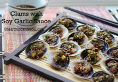 Korean Clams with Soy Garlic Sauce Clam Recipes, Seafood Recipes, Whole Food Recipes, Cooking Recipes, Easy Asian Recipes, Healthy Recipes, Korean Recipes, Parmesan Chicken Manicotti, Korean Side Dishes