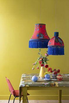Plastic Bottle Crafts, Plastic Bottles, Abbat Jour, Marie Claire, Antique Chandelier, Lamp Shades, Decoration, Interior Decorating, Interior Ideas