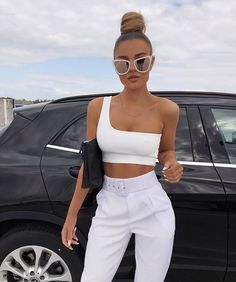 White One Shouldered Crop Top – Kamri – Mode Looks Street Style, Looks Style, Classy Outfits, Stylish Outfits, Looks Kim Kardashian, Fashion Mode, Womens Fashion, Moda Fashion, 80s Fashion