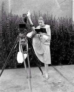 1920s multi-tasking.