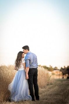 Wedding Photography Poses The Soft Wendy - Chilled Blue Length Engagement Photo Outfits, Engagement Couple, Engagement Pictures, Wedding Pictures, Engagement Session, Engagements, Country Engagement, Fall Engagement, Engagement Wishes
