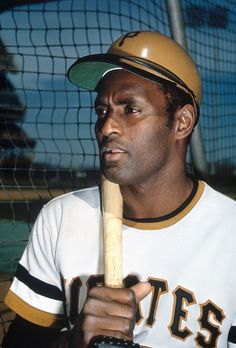 Roberto Clemente, Baseball Players, Baseball Cards, Football, Pirate Pictures, Pittsburgh Pirates Baseball, Pnc Park, San Fransisco, Jolly Roger