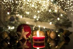 Candle with Christmas ornaments by Javier Art Photography on Wallpaper Pc, Wallpaper Pictures, Computer Wallpaper, Wallpaper Quotes, Christmas Background Desktop, Xmas Pictures, Xmas Pics, Christmas Time, Christmas Ornaments