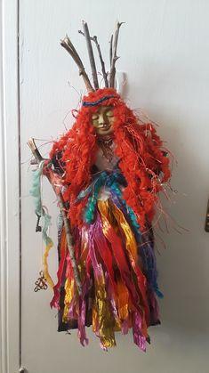 Woman of Wisdom Spirit Doll Fabric Dolls, Fabric Art, Paper Dolls, Crafts To Make, Diy Crafts, Wicca, Spirited Art, Monster Dolls, Voodoo Dolls