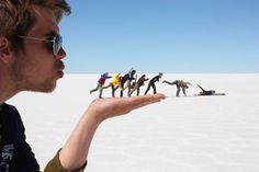 Forced-Perspective Photography ~ Really cool pic idea!