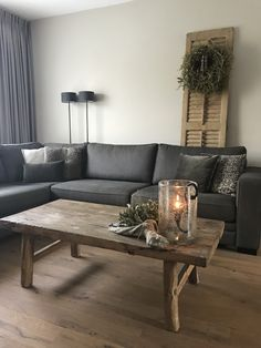 Zu Hause in Wendoosje - Hari - - Tipps und Tricks - Wohnaccessoires Gray Interior, Interior Design Living Room, Living Room Decor, Bedroom Decor, Home And Living, Decorating Your Home, Sweet Home, Decoration, House Styles