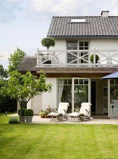 "Lovely house ! From the magazine ""Wonen Landelijke Stijl"", via rtl woonmagazine. Photo credit : Dorien Ceulemans."