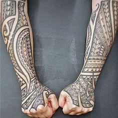Awesome Tribal Polynesian Male Forearm Sleeve Tattoos