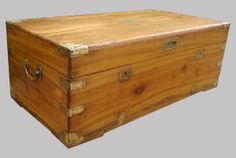 Sea captain, Traveller or Officer Indian camphor wood box - malle en camphrier