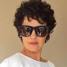 20 latest short curly hairstyles for 2018 // # 2018 # for # . - 20 latest short curly hairstyles for 2018 // # 2018 - Short Curly Haircuts, Asymmetrical Hairstyles, Curly Bob Hairstyles, Hairstyles With Bangs, Curly Short, Fringe Hairstyles, Black Hairstyles, Hairstyles 2016, Medium Hairstyles