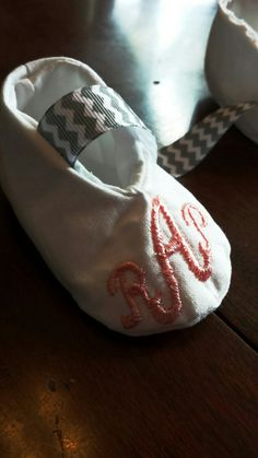 Baby/Infant/Toddler Monogrammed Crib Shoes