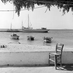 Vintage Pictures, Old Pictures, Pretty Pictures, Old Photos, Paros Greece, Athens Greece, Bw Photography, History Of Photography, Benaki Museum