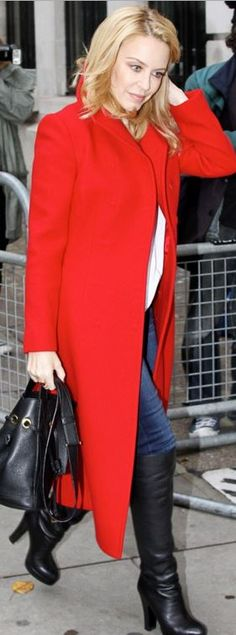Who made Kylie Minogue's red coat?