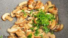 Cartofi cu ciuperci la cuptor, reteta pregatita de Ramona Dascalu Mozzarella, Pesto, Chicken, Food, Essen, Meals, Yemek, Eten, Cubs