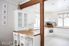 Tämä on kyllä niin ihastuttava koti: Poikkilinjantie 345  löytyy myös blogista  www.villalkv.fi/blogi