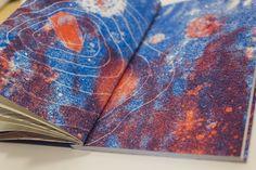 Órbita, is a book of short stories with the theme of moon, space and things related poetic by Colective Palê.I did all the graphic design project and illustrations printed in two colors risograph. Released by Edições de Zaster.