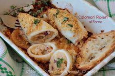 Calamari al forno ripieni ricetta facile e gustosa per un secondo leggero.Ripieno gustoso per i tentacoli saltati in padella e dal loro liquido di cottura