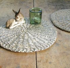 Podkładki na stół Harlequin - zestaw w zapleciona na DaWanda.com Plates, Rugs, Tableware, Etsy, Home Decor, Licence Plates, Farmhouse Rugs, Dishes, Dinnerware