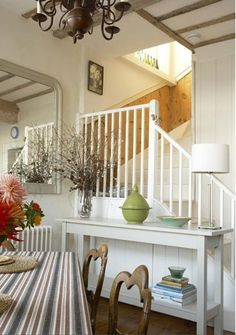Casual English Beach Cottage Style
