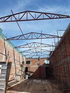 Steel Trusses, Roof Trusses, Gate Wall Design, Steel Frame House, Eco Friendly Cars, Warehouse Design, General Construction, Roof Detail, Metal Structure