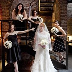 """A twist on the """"posed"""" wedding party shots"""