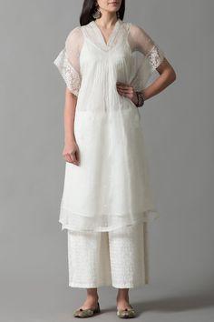 Good Earth – Stylish Sustainable Luxury Retail | Goodearth.in Brunch Dress, Kurta Neck Design, Tunics Online, India Fashion Week, Country Dresses, Indian Outfits, Indian Dresses, Kurta Designs, Indian Designer Wear