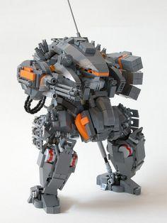 We all love a good LEGO Gundam or Macross mecha, but LEGO builders everywhere are also creating excellent models of their own designs. Lego Mecha, Lego Design, Robot Design, Legos, Mega Pokemon, Niklas, Cool Lego Creations, Lego Worlds, Ex Machina