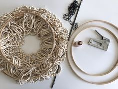 The House That Lars Built creates a DIY bead chandelier hack based on the one from Pottery Barn that we all know and love. Pottery Barn Hacks, Wood Bead Chandelier, Chandelier Lighting, Chandeliers, Ideas Geniales, Diy Interior, Wooden Diy, Wooden Beads, Diy Furniture