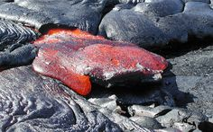 1- lava is starting to override the flexible slab of bulldozed crust.