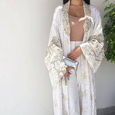 Qabeela's stunning hand made bridal abaya. Islamic Fashion, Muslim Fashion, Modest Fashion, Mode Abaya, Mode Hijab, Abaya Fashion, Boho Fashion, Fashion Outfits, Funky Dresses