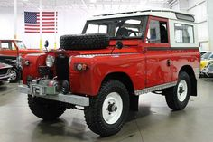 Land Rover 88 Serie IIA- Safari Top. Nice red.