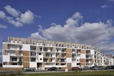 Idea Esteban Housing by Leibar Seigneurin Architecture & Urbanisme Facade Architecture, Residential Architecture, Amazing Architecture, Building Design, Building A House, Concrete Facade, Social Housing, Villa Design, Hotels