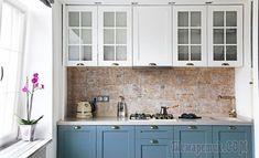 Уютная квартира 53 м² у метро Университет Blue Kitchen Cabinets, Green Kitchen, Kitchen Tiles, Kitchen Furniture, Kitchen Interior, Kitchen Decor, Kitchen Design, Living Spaces, Sweet Home