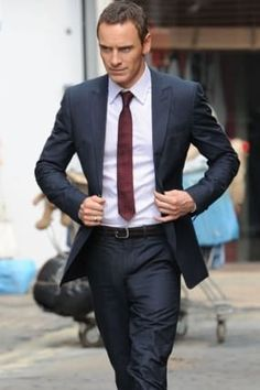 Men`s suits - Michael Fassbender Bulge Michael Fassbender, Raining Men, Suit And Tie, Well Dressed Men, My Guy, Stylish Men, Costume, Mens Suits, Beautiful Men