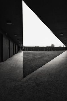 Fassio-Viaud architects and David Devaux - Kennel for police unit in Moissy Cramoyel Architecture Design, Light Architecture, Peter Zumthor Architecture, Architecture Geometric, Architecture Magazines, Contemporary Architecture, Design Visual, Brutalist, Black And White Photography