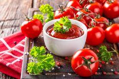 A tökéletes paradicsomszósz lépésről lépésre Ketchup, Cholesterol, Pasta, Dishes, Vegetables, Food, How To Make Tomato Sauce, Homemade Tomato Sauce, Log Projects