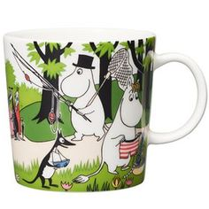 """Moomin Mugs from Arabia – A Complete Overview Going on vacation / Lähdetään lomalle (summer season mug The motif comes mainly from the story """"Moomin's Desert Island"""". Moomin Mugs, Scandinavian Living, Scandinavian Design, Tove Jansson, Nordic Design, Finland, Vacation, Tableware, Mugs"""