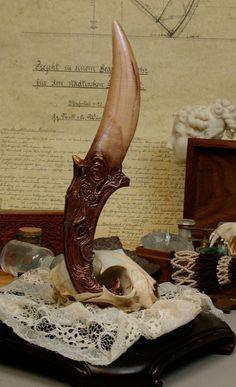 """Dragon Tooth """"Idris"""" Dagger by Mythologicae"""