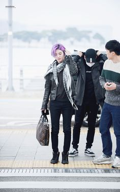 [Appreciation] Remember how Sungjong stunned the whole South Korea with his extraordinary visuals in purple hair? Purple Hair, Celebrity Photos, South Korea, Infinite, Winter Jackets, Kpop, Celebrities, Descendants, Appreciation