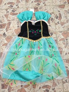 https://www.facebook.com/yunhuigarment New design with petticoat and lining Elsa dress cosplay costume in frozen nightgowns dresses girl the snow queen baby girl princess dress with Wigs+magic wands+crowns