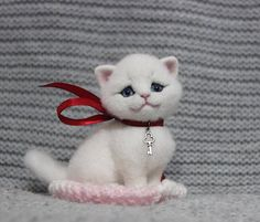 Miniature Felt Cat, Miniature Animal, doll house cat, ***READY TO SHIP*** Needle Felt Cat, Felt Cat, Cat Sculpture.