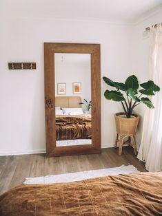 Decoration Inspiration, Room Inspiration, Decor Ideas, Decorating Ideas, Decorating Websites, Wall Ideas, Home Bedroom, Bedroom Decor, Bedroom Mirrors