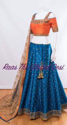 Bridal lehenga USA Shop for gorgeous wedding lehengas with variety of designs and colors. Buy designer wedding lehengas online get a royal wedding look. Half Saree Designs, Choli Designs, Lehenga Designs, Saree Blouse Designs, Indian Gowns Dresses, Indian Fashion Dresses, Indian Designer Outfits, Royal Dresses, Ethnic Fashion
