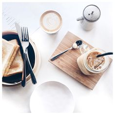 Coffee Love Rekindled – Advice You Need Now Coffee Love, Coffee Break, Morning Coffee, Coffee Shop, Coffee Art, Black Coffee, Coffee Maker, Coffee Photography, Food Photography