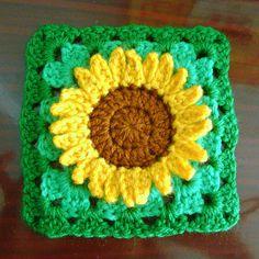 Crochet Sunflower granny square, http://crochetjewel.com/?p=7330