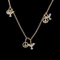 Corrente folheada com pingentes símbolo e pomba da paz com zircônias