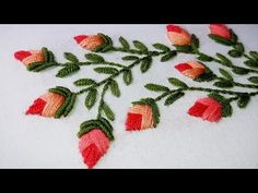 Embroidery Stitch - Feather Stitch with lazy daisy stitch. how to learn hand embroidery stitches Hand Embroidery for Beginners: 10 Types of Leaves sewing and embroidery Brazilian Embroidery Stitches, Hand Embroidery Videos, Types Of Embroidery, Learn Embroidery, Japanese Embroidery, Hand Embroidery Stitches, Embroidery Techniques, Embroidery Applique, Cross Stitch Embroidery