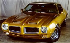 1970 Pontiac Firebird Pictures: See 76 pics for 1970 Pontiac Firebird. Browse interior and exterior photos for 1970 Pontiac Firebird. Pontiac Cars, Chevrolet Camaro, Chevy, Firebird Formula, Pontiac Firebird Trans Am, Used Porsche, High Performance Cars, Sports Sedan, Pony Car